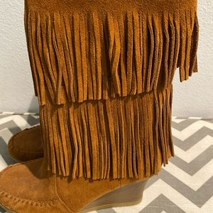 Women's Minnetonka fringe wedge boots